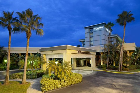 Hotels In Palm Beach Gardens Connellyoncommercecom